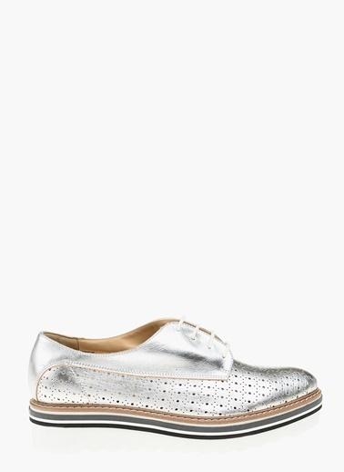 Que Ayakkabı Gümüş